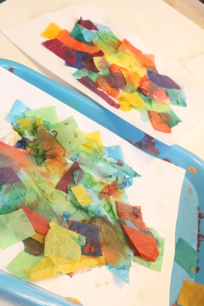 making flowers with bleeding tissue paper