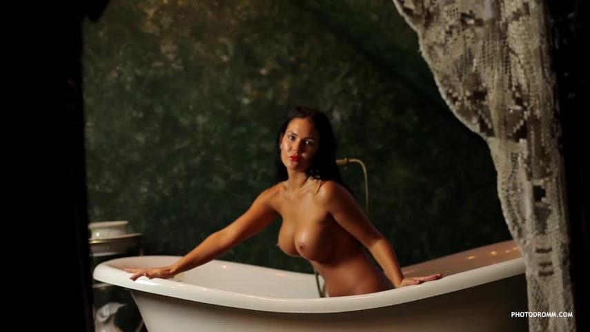 [PhotoDromm] Kendra - A Thousand Bubbles (HD Video)
