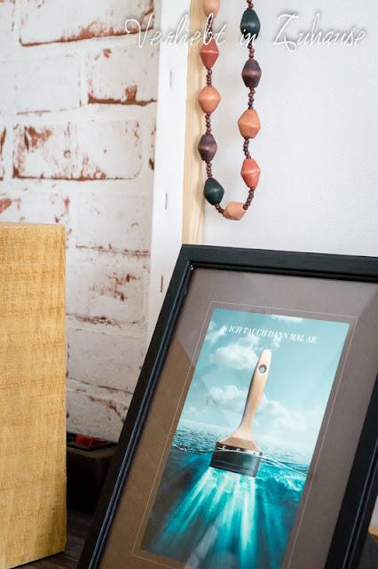 Boheme: Karte mit Motiv Pinsel im Bilderrahmen, Holzkette von Schwiegermutter, leer Leinwand