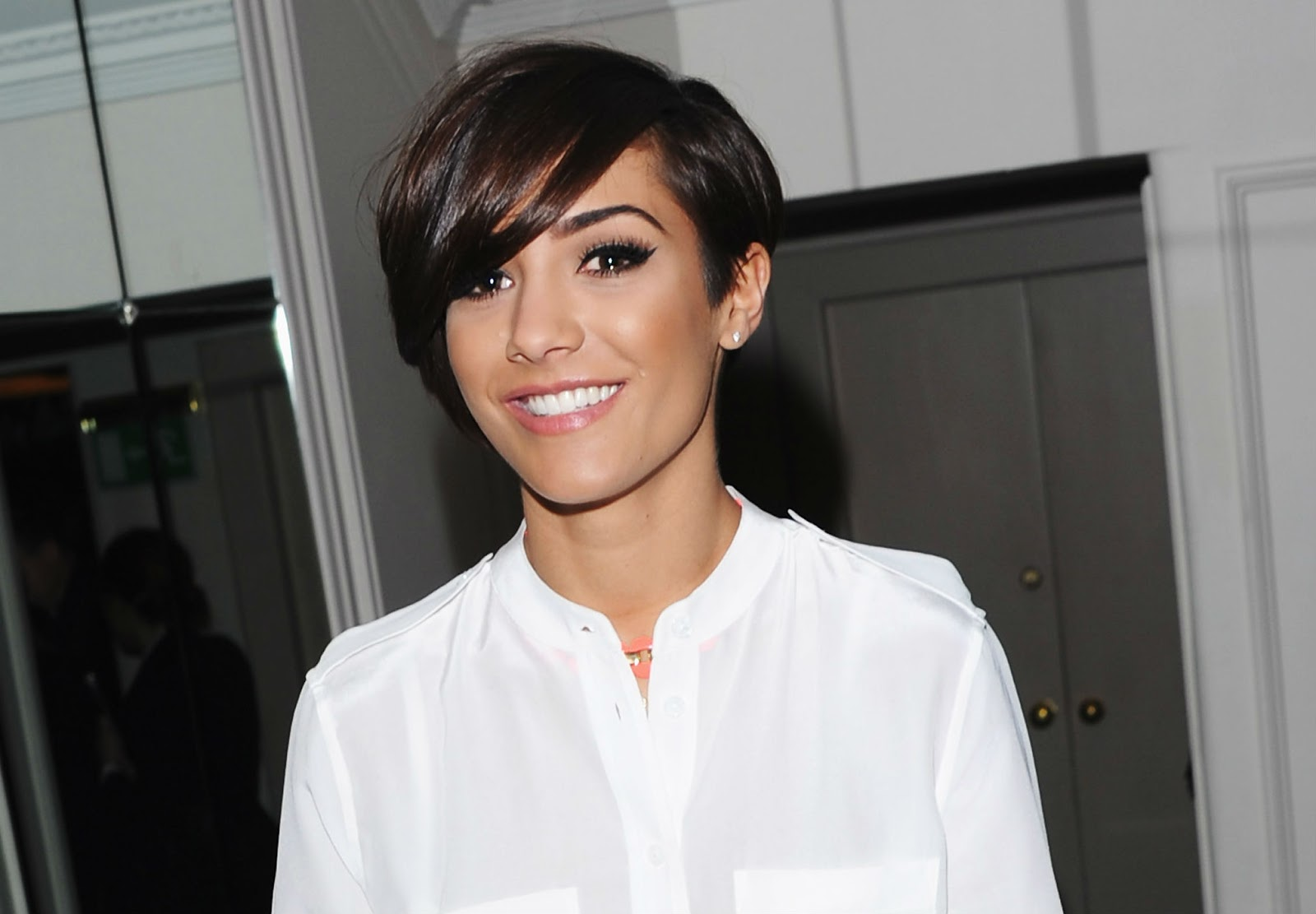 Lizzie's World: Is The Pixie Cut Back!?