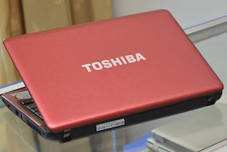 "Laptop Toshiba Satellite L735 RED 13.3"" Malang"