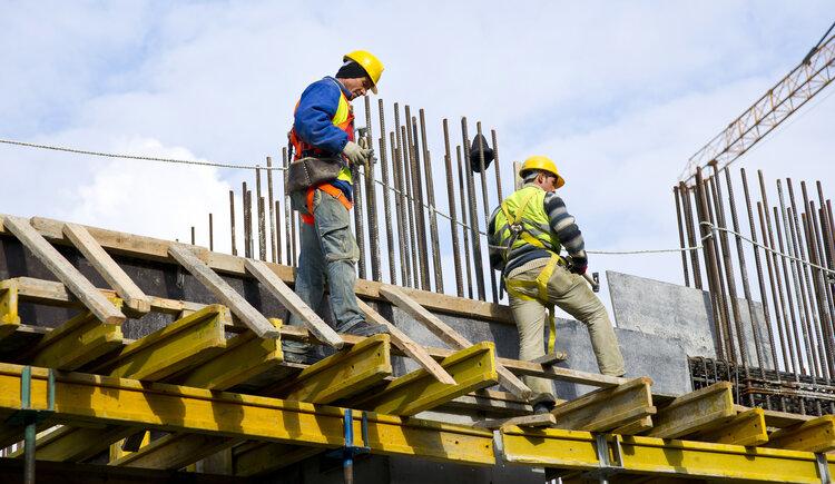 Obras de construcción pequeñas en el Conurbano y de 5.000 m2 en Ciudad
