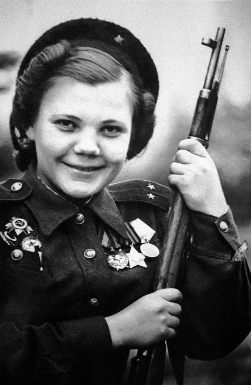 Nina Lobovskaya, commander of a company of female snipers who fought in the battle for Berlin. 1944.