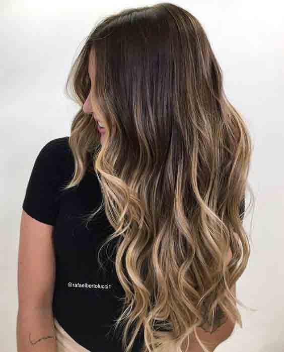 Tendência de verão: cabelos com mechas
