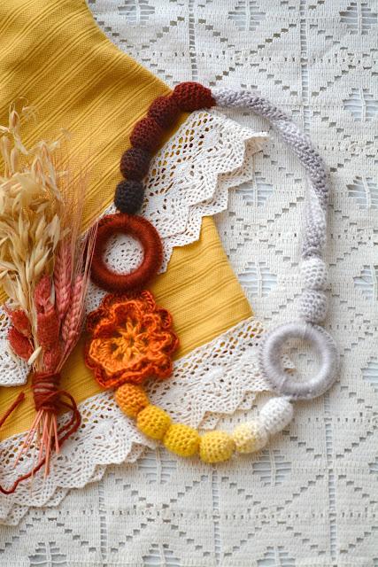 Autumnal Rhapsody – Beads & Flower Crochet Necklace