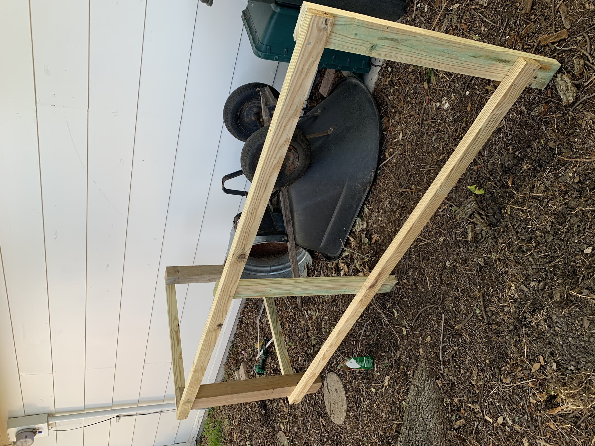 moveable trashcan fence screen