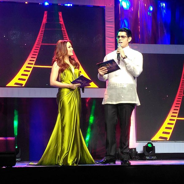 KC Concepcion and Richard Gutierrez host 2015 MMFF