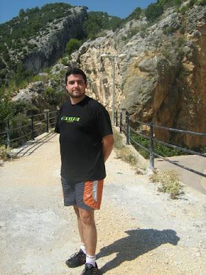 el español Moncho superaragonés promueve chapurriau frente catalán desde Alemania