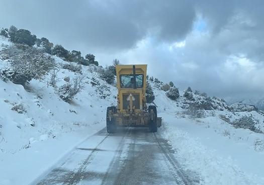 Με αλυσίδες η κίνηση των οχημάτων από Κεφαλόβρυσο προς Φρουσιούνα