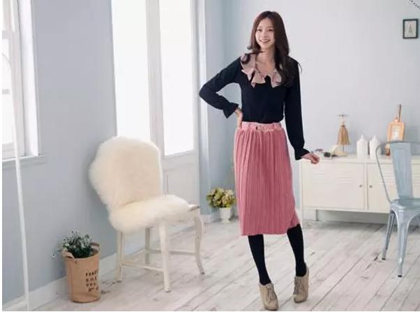 Phối đồ với chân váy Midi hợp gu thời trang trẻ