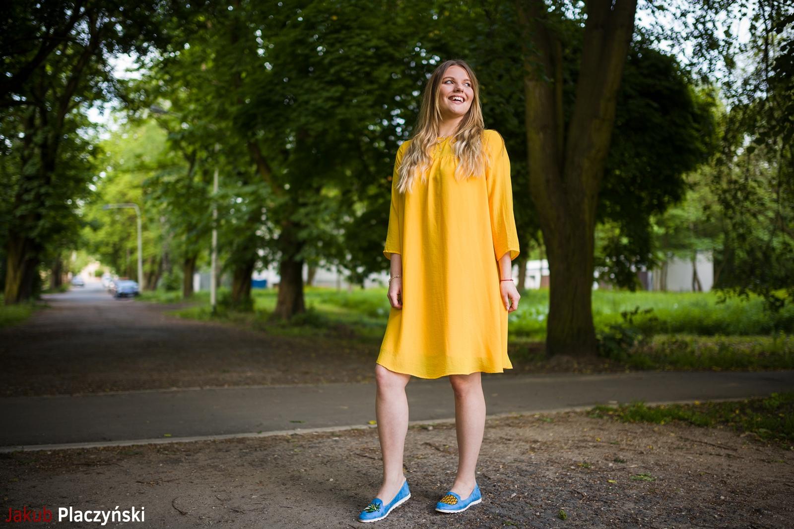 13 żółta sukienka na lato bonprix niebieskie espadryle z ananasem renee shoes reneegirls reneeshoes melodylaniella modnapolka lookbook ootd moda na lato biżuteria piotrowski swarovski