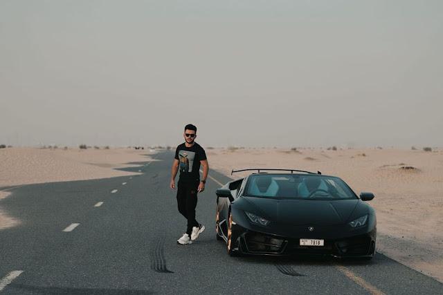 Carros de luxo em Dubai