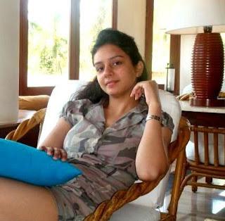 menciptakan debutnya melalui film Bollywood Biodata Manit Joura Terlengkap, Istri, Fakta, Foto, Hobi dan Banyak Lagi
