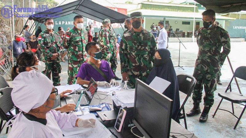 Danrem 172/PWY Tinjau Serbuan Vaksinasi Gelombang Kedua Tahap I di Jayapura