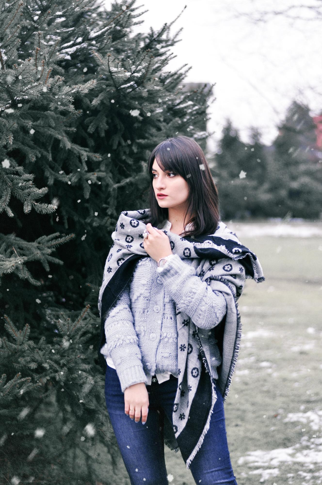 szary sweter rozpinany bonprix