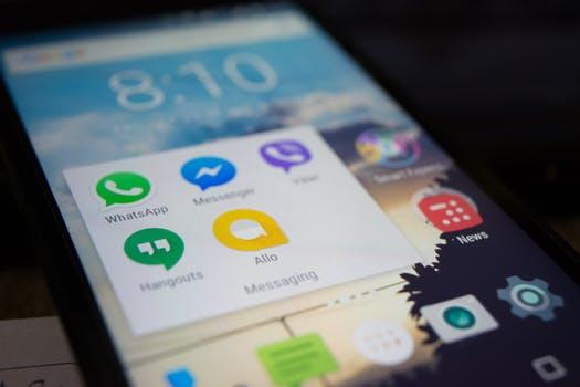 الواتساب سيتفوق قريبا على الفيسبوك Whatsapp soon overtakes Facebook