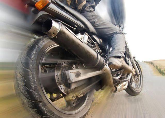 População de Colombo sofre com motos barulhentas dia e noite