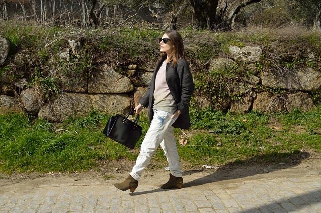 5 metode de a purta hainele iubitului