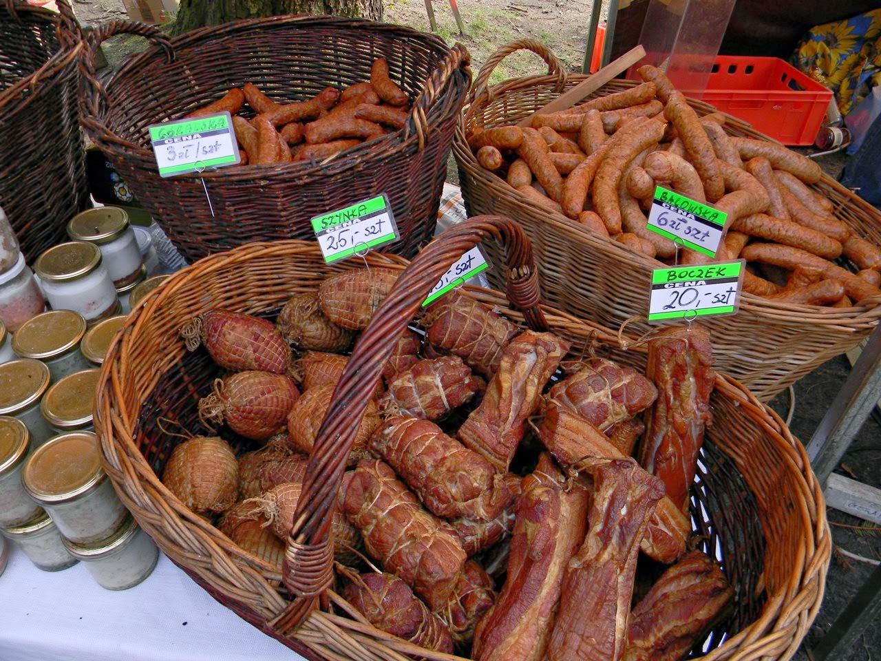 jarmark, jedzenie, przetwory, kiełbasa, boczek