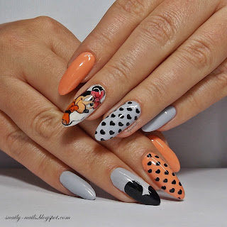 http://snaily-nails.blogspot.com/2017/10/chiodopro-minnie-story.html