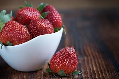 manfaat strawberry khasiat stroberi
