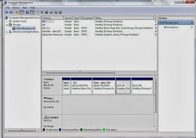 Setelah jendela Computer Management Terbuka Pilih Disk Management di sebelah kiri