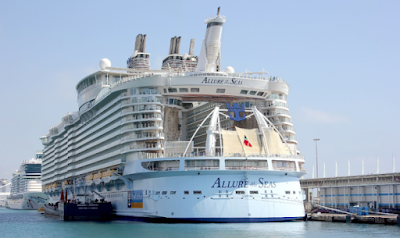 Allure Seas - Cruise Ship - Bahamas Flag