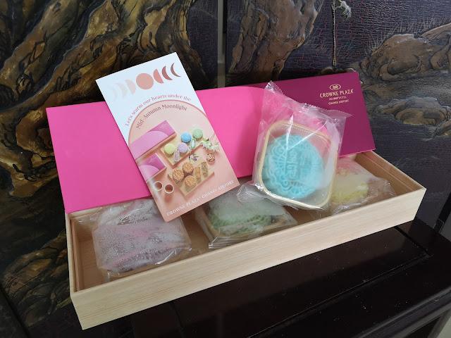 Crowne Plaza Changi Airport Mooncakes
