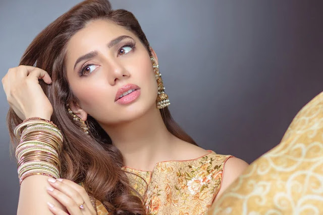 Mahira Khan HD Wallpaper