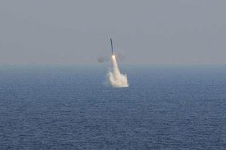 Uji Coba Rudal Supersonik BrahMos di Laut Arab