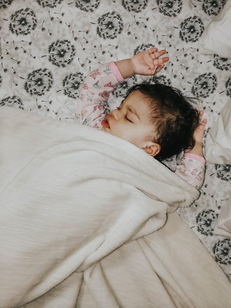 Co-Sleeping | The Benefits of Co-Sleeping for us