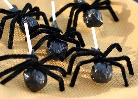 Idéias fáceis para Halloween comida, aranhas pirulitos