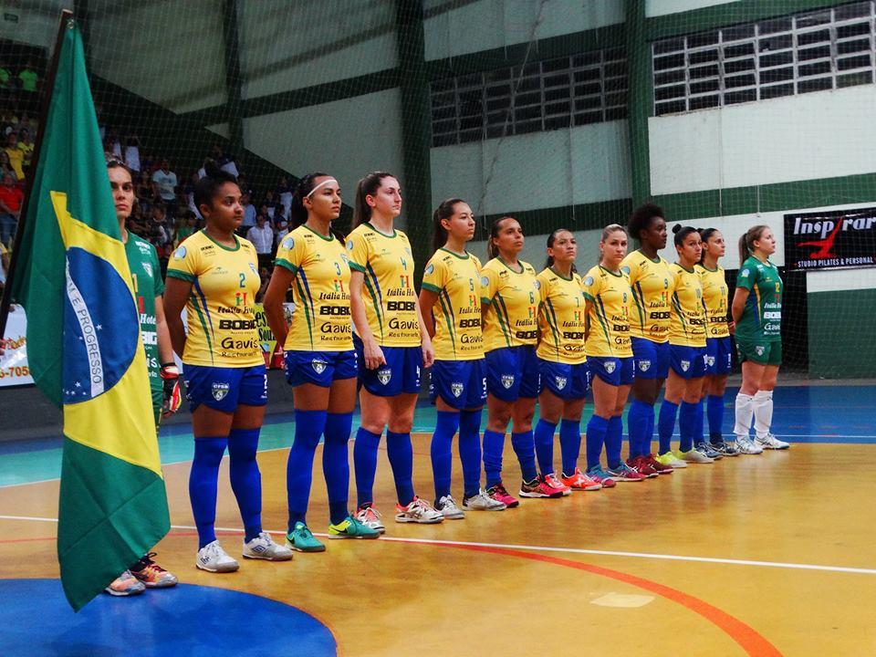 A Seleção Brasileira de Futebol de Salão Clássico Feminina AMF d3a5a74dfee67