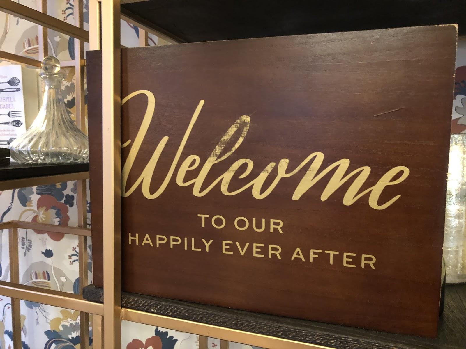 Welcome to our happily ever after, Winterhochzeit in Garmisch-Partenkirchen, 4Eck Restaurant, heiraten in Garmisch, Hochzeitslocation, standesamtliche Trauung, Hochzeitsplanung 4 weddings & events, Hochzeitsplanerin Uschi Glas