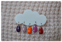 broche nuage et gouttes rose violet orange rouge