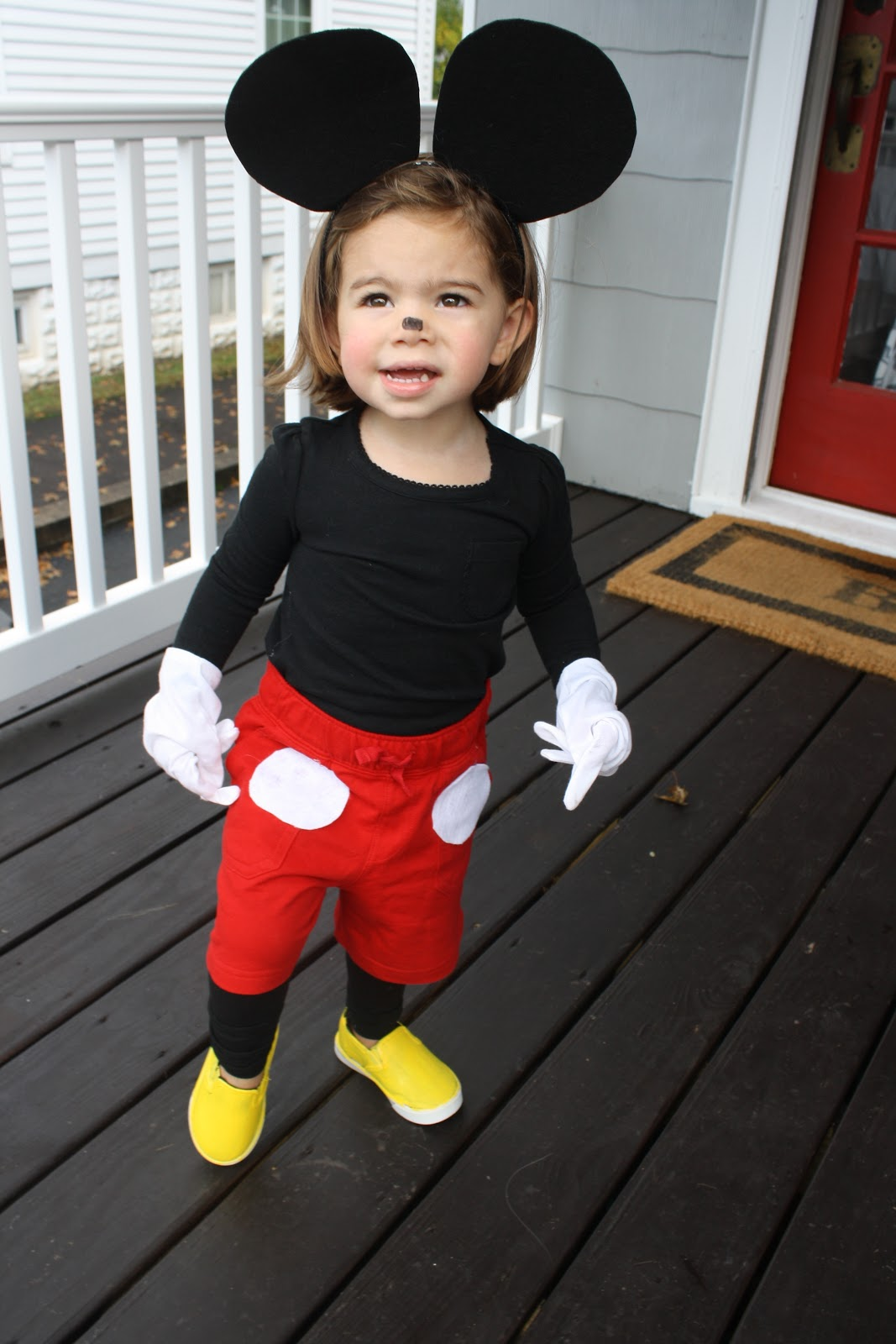 a449767e4963 DIY Halloween Costume: Mickey Mouse - The Chirping Moms