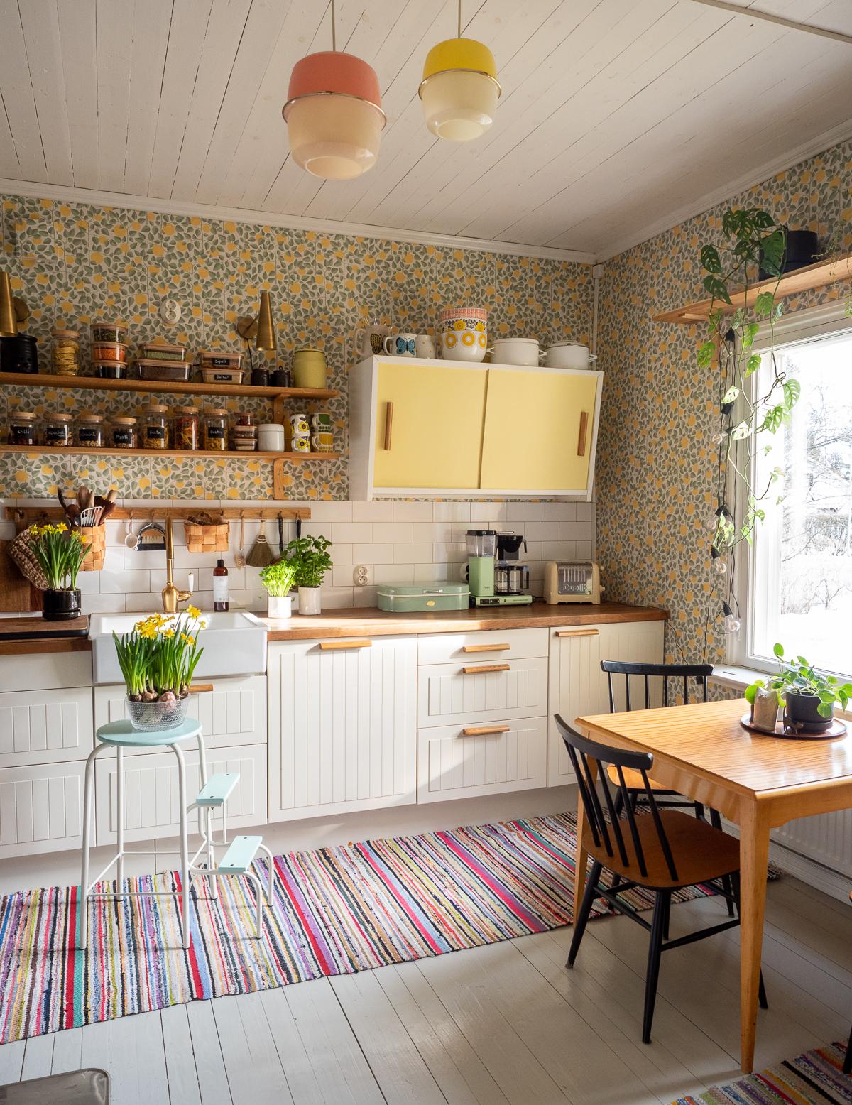 kokemuksia keittiön avohyllyistä