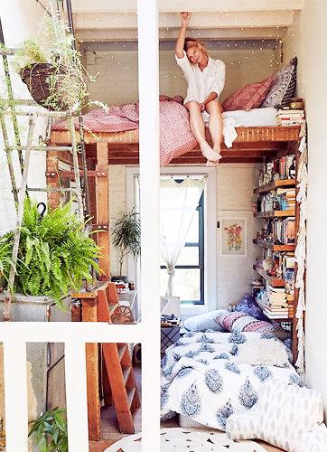 lit mezzanine avec échelle pour petits espaces et gain de place