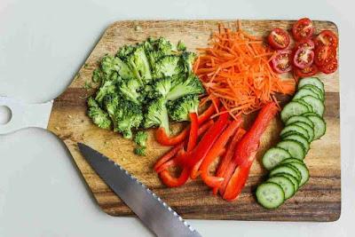 لاطعمة المفيدة للمعدة والقولون