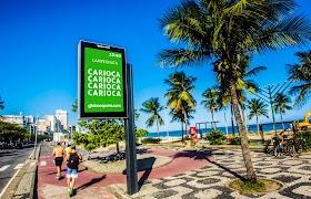 Relógios de rua da Clear Channel no RJ ganham conteúdos de futebol da Globo