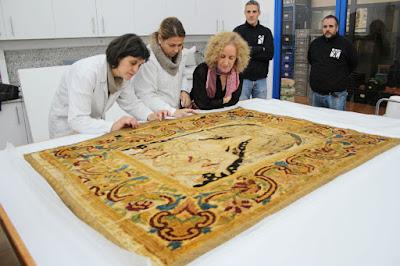 Cultura restaura 75 fragmentos de seda de los siglos XVII y XIX para la exposición 'Els temps de la Seda'