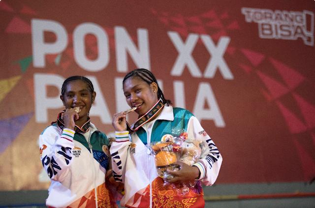 Wairifer Bakwab dan Yewi Sudjatminto Sumbang 2 Emas dari Matras Judo untuk Papua.lelemuku.com.jpg