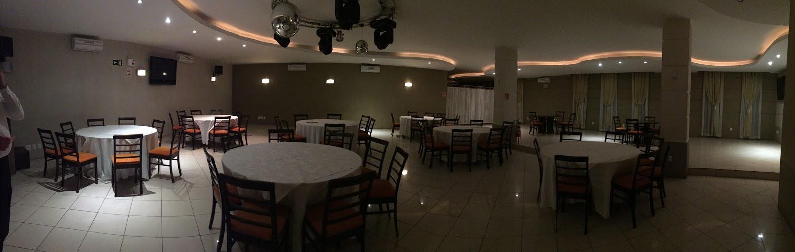 Salão de eventos do restaurante Don Claudino