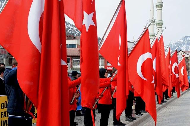 Csaknem kilenc év börtönre ítélték Törökországban az amerikai főkonzulátus egyik török alkalmazottját
