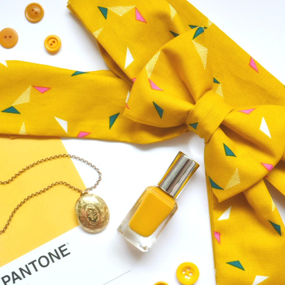 Adventures & Tea Parties blog post on the autumn colour on trend Spicy Mustard