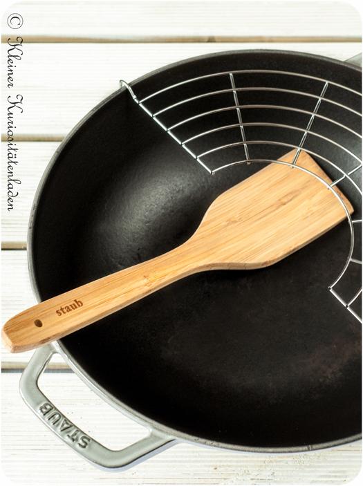 gusseiserner Wok von Staub mit den ersten Gebrauchsspuren