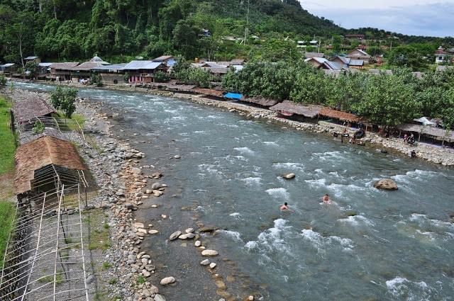 قرية بوكيت لاوانغ