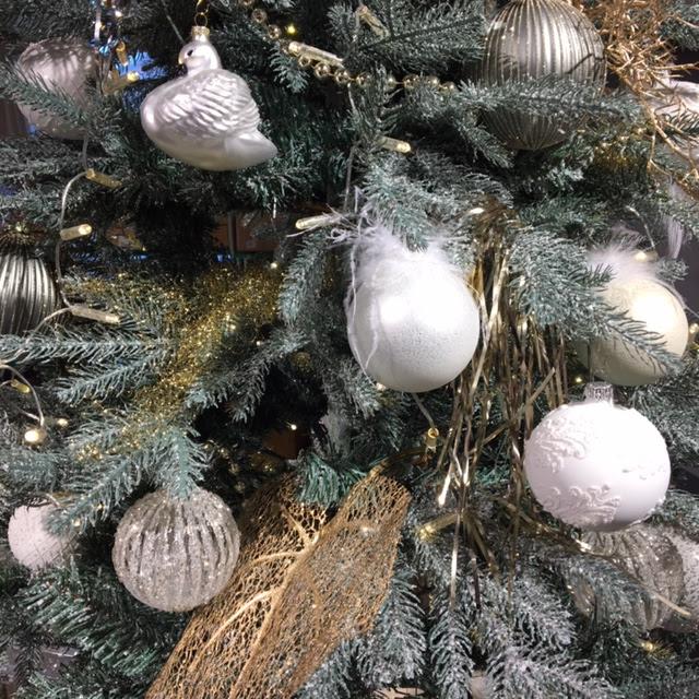kerstboom in it met glas
