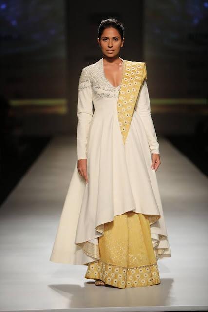 Anju Modi Amazon India Fashion Week 2017