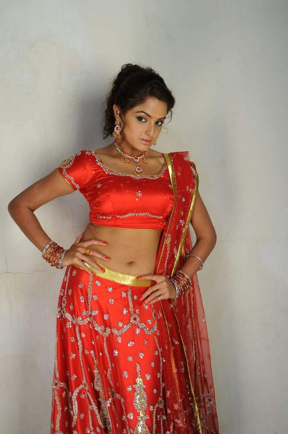 ACTRESS HOT IMAGES: Asmita sood hot milky thighs hot on bed,bikini image gallery